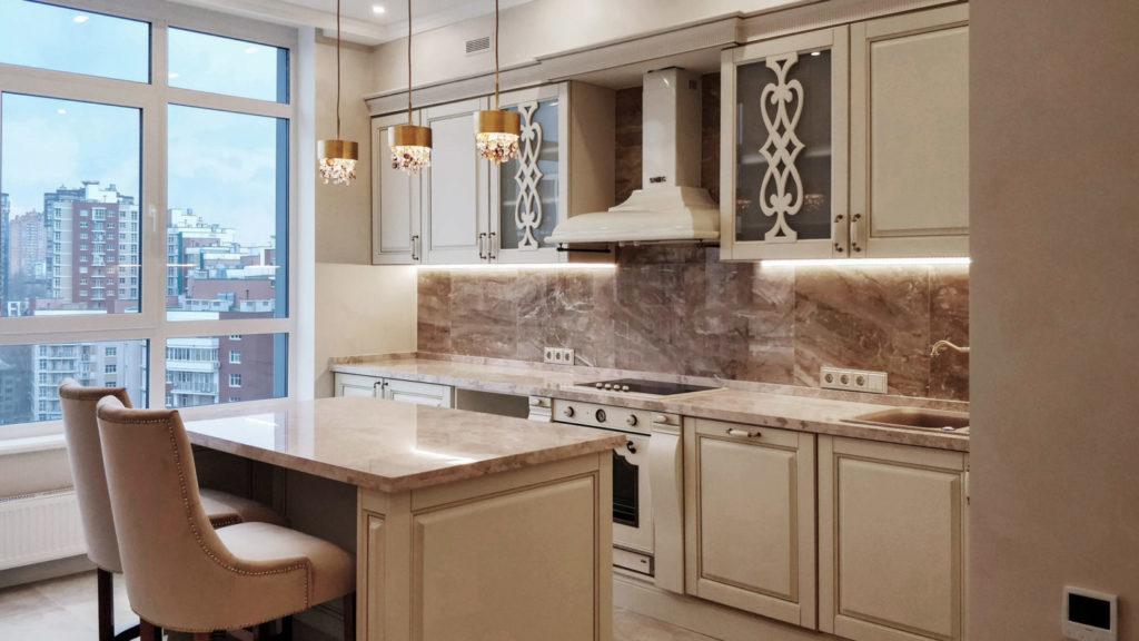Линейная планировка кухни в реализованном дизайн-проекте квартиры