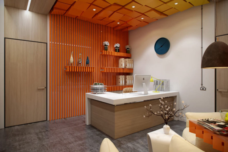 Запоминающаяся и уютная приемная: дизайн интерьера офиса