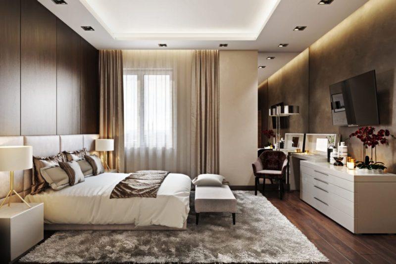 Интерьер спальни с яркими акцентами