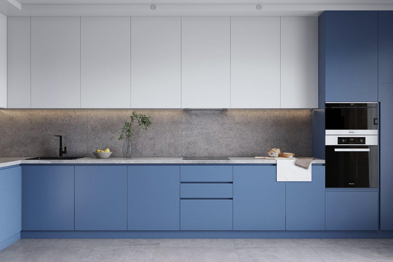 Элегантный кухонный гарнитур с бело-голубыми фасадами
